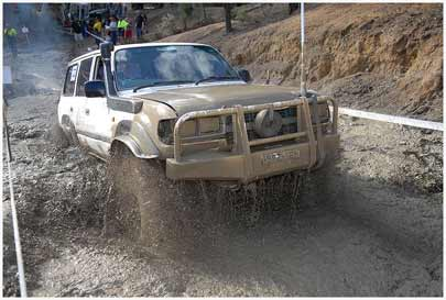 landcruiser in mud competition